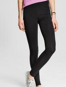 Black leggings. LARGE